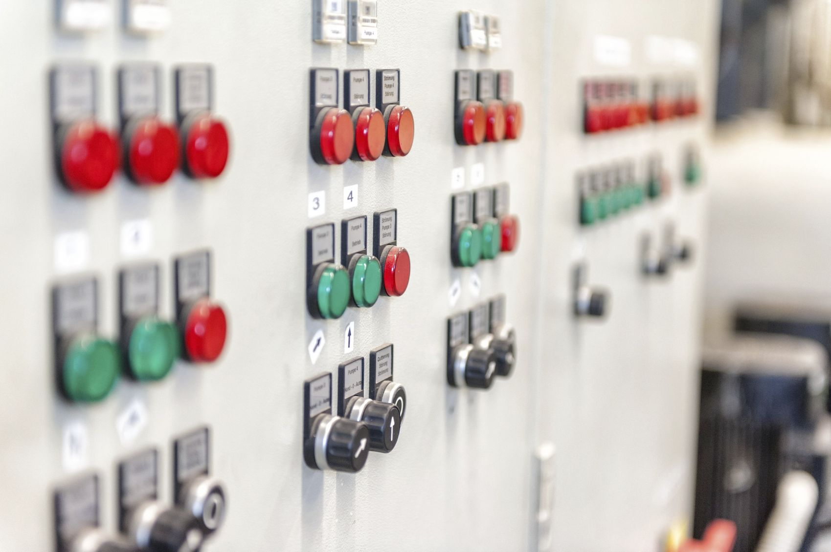 Electrical switchboard onboard unmanned machinery spaces